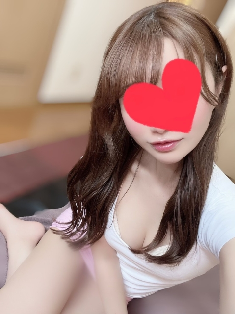 愛内りな Rina Aiuchi